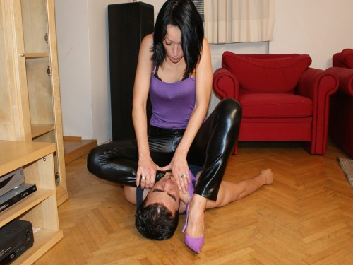 Turkey Mistress Choke