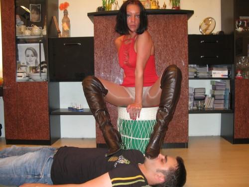 Turkey Mistress Boot Licking